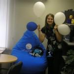 Вы спросите почему один шарик синий? Потому что он - самый главный!